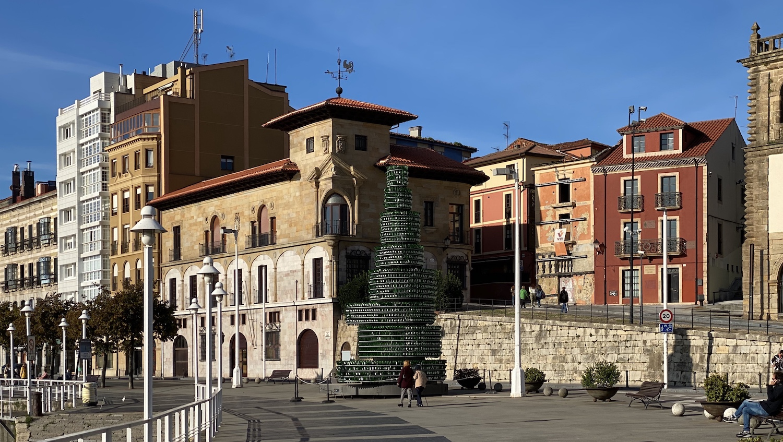 Arbol de la Sidra en Gijón