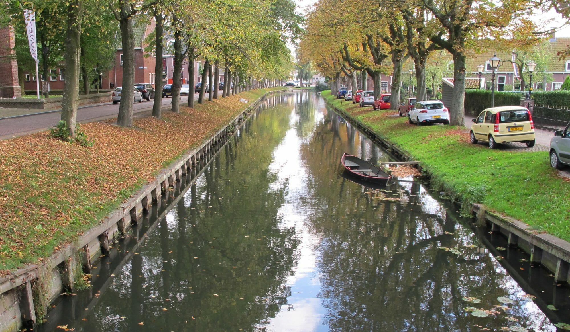 Foto de un canal en Holanda
