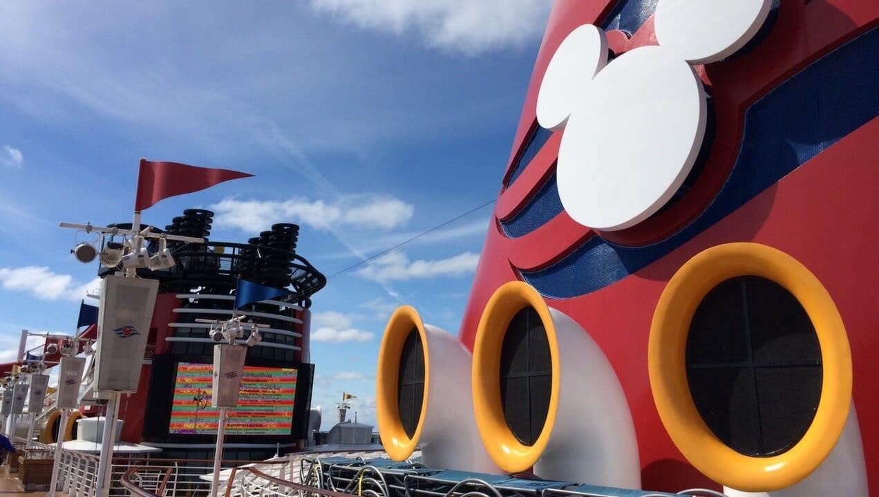 Chimeneas en el crucero Disney
