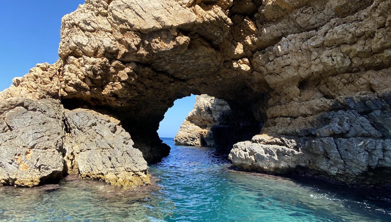Cueva del Tabac y agua cristalina Jávea