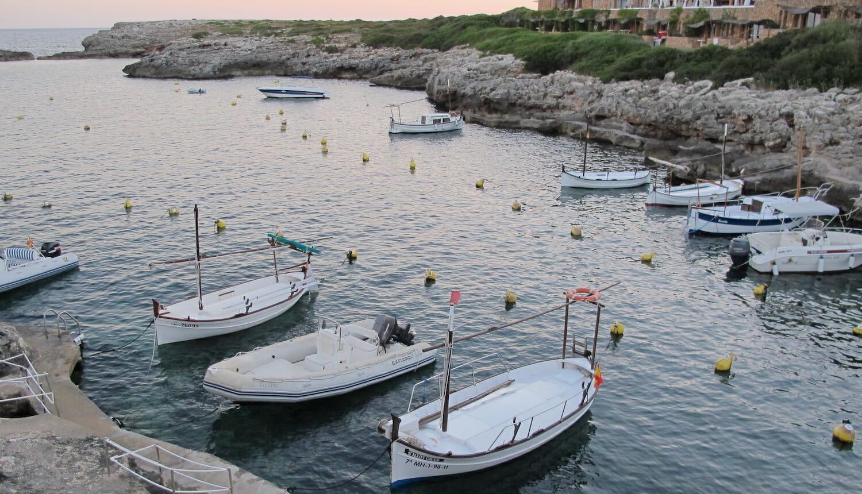 Barcos amarrados en Binivequer Vell