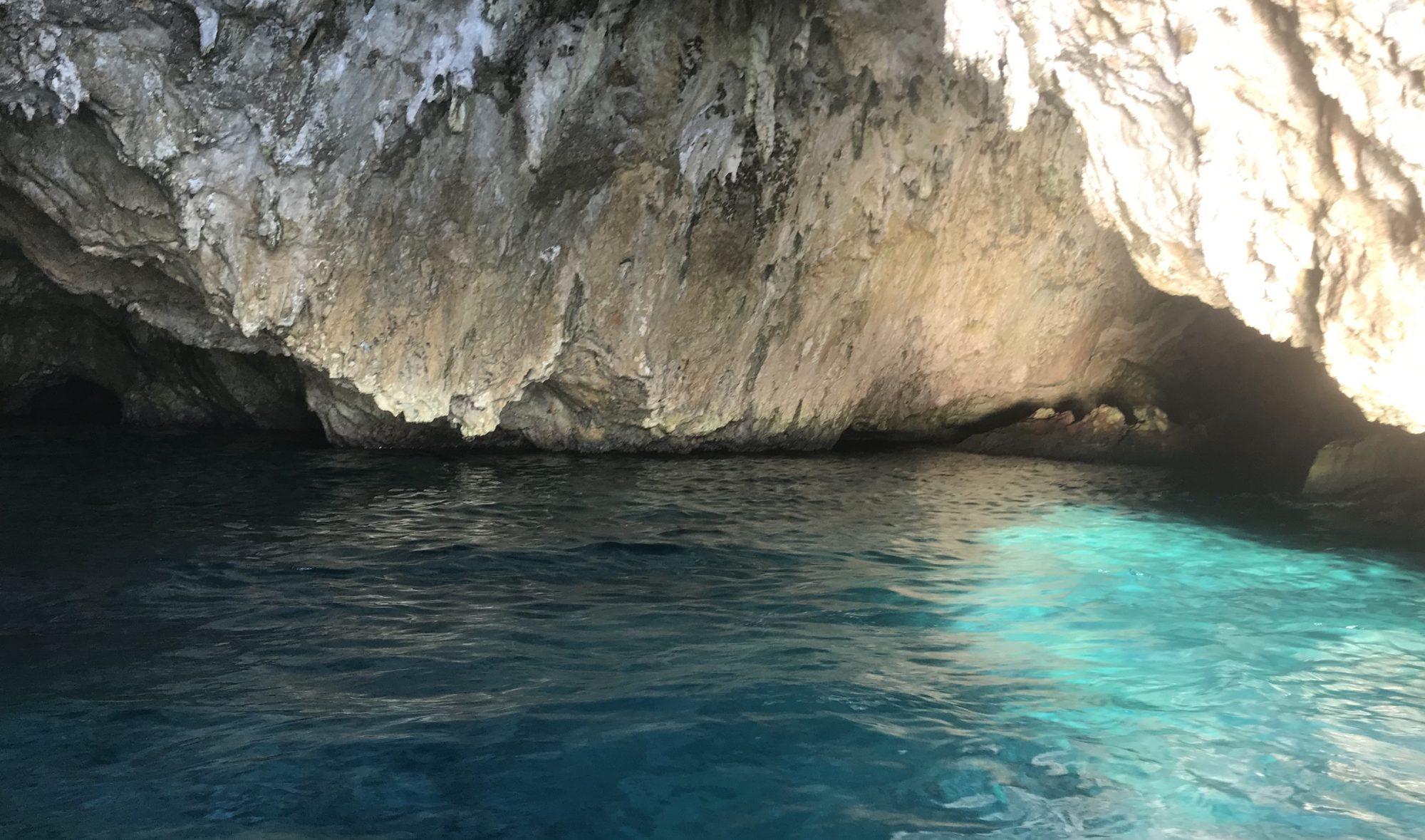 Interior de la cueva Llop Marí Jávea