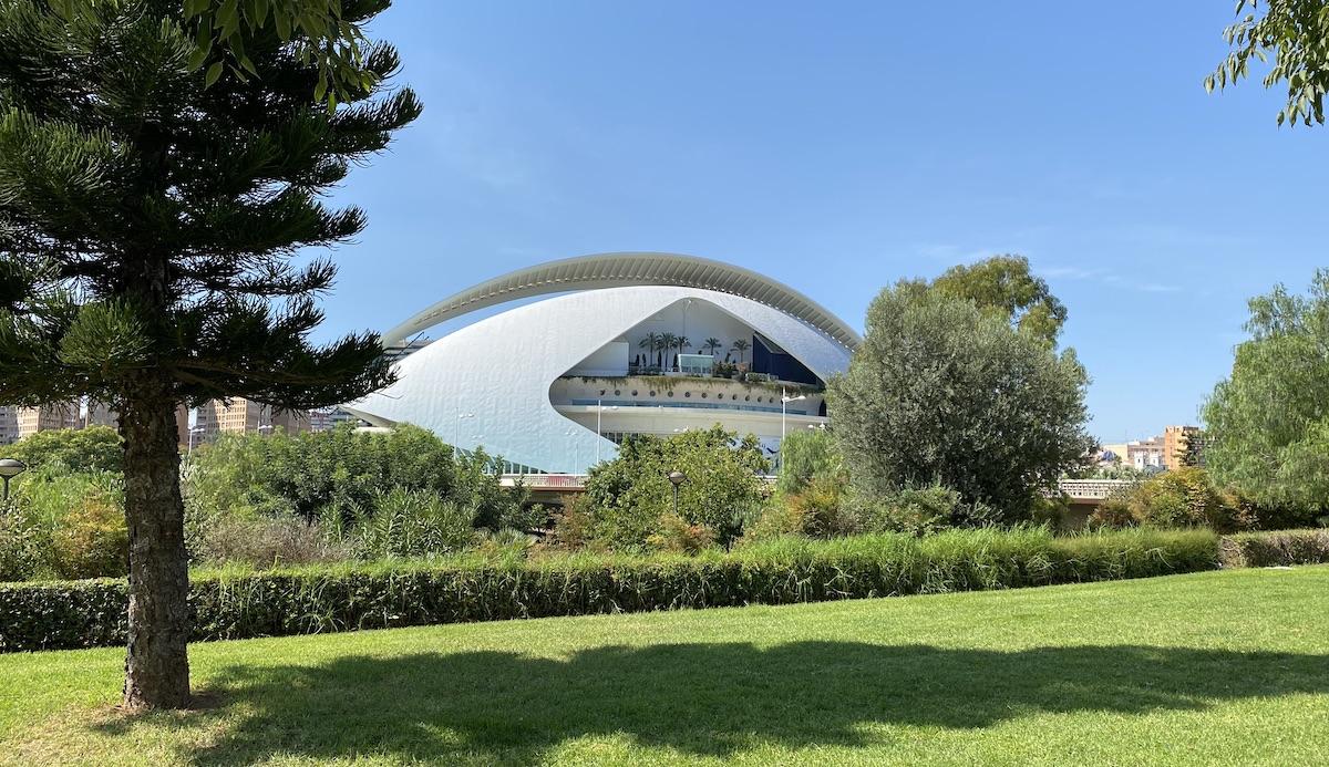 Palau de las Artes en Valencia visto desde la Alameda