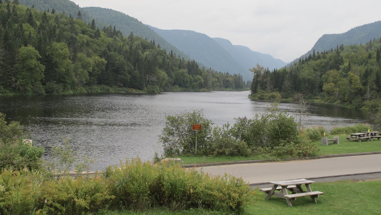 Vistas del Lago desde el Centro de Visitantes PN Jacques Cartier Canada