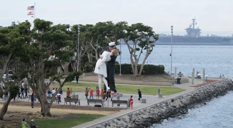 Estatua Inconditional Surrender de San Diego