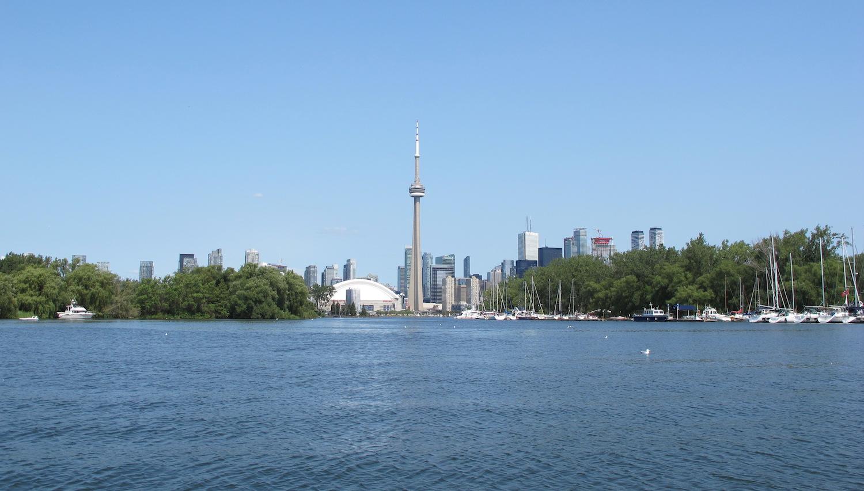 Horizonte de Toronto desde el Lago Ontario