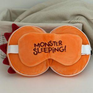 Almohada de Viaje con Antifaz – Monstruo Naranja